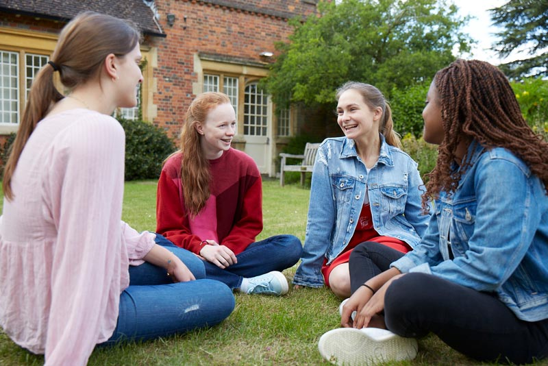 House Girls Chatting | Wycombe Abbey