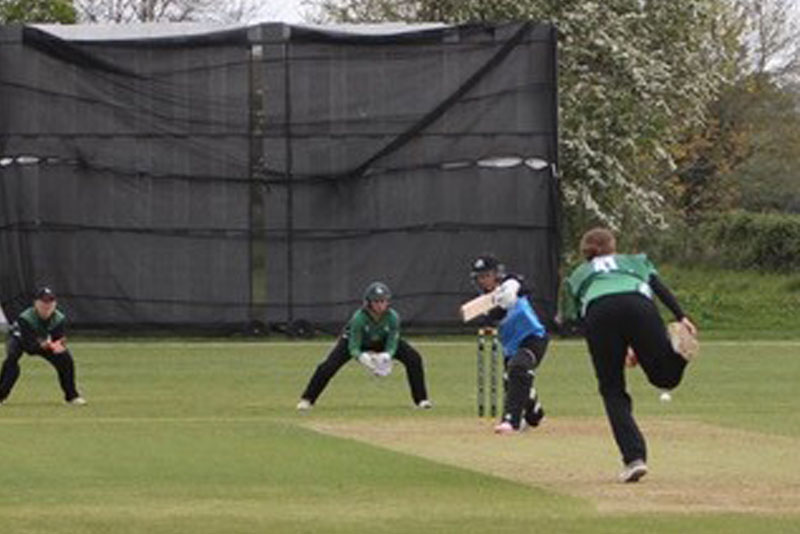 Mia Rogers Playing Cricket | Wycombe Abbey