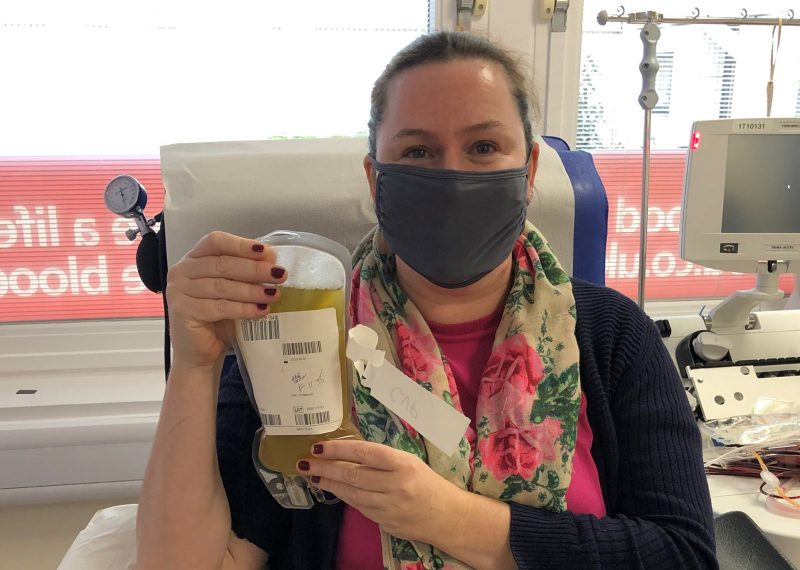 Lizzi Wallace donating plasma